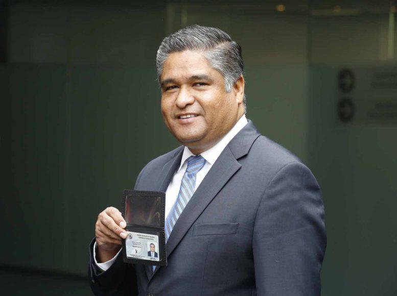 Senador electo, Víctor Oswaldo Fuentes