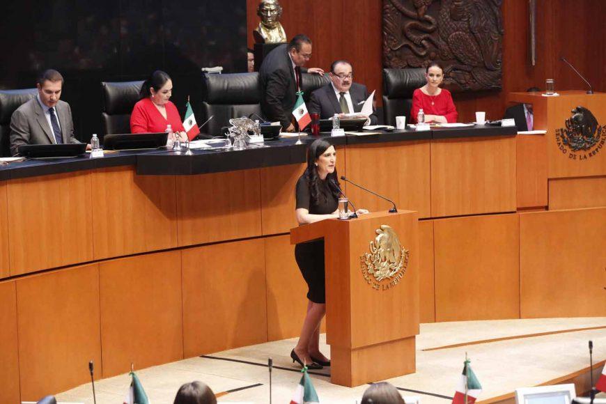 Senadora Kenia López Rabadán, iniciativa, Constitución, paridad de género