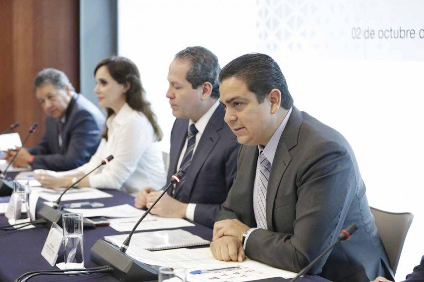 Senador Ismael García Cabeza de Vaca, secretario, Senadora Gloria Núñez Sánchez, integrante, Comisión de Marina