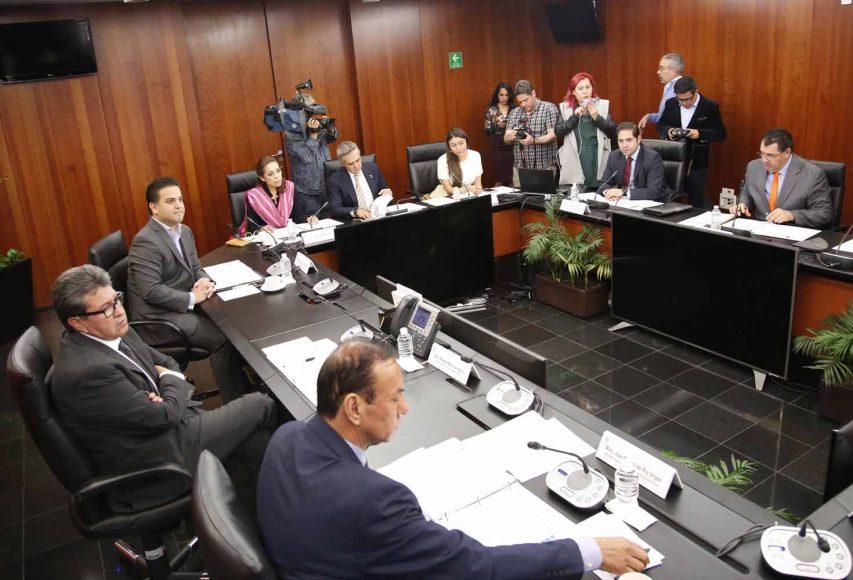 El coordinador del PAN Damián Zepeda Vidales y la senadora Josefina Vázquez Mota, durante la reunión de trabajo de la Junta de Coordinación Política