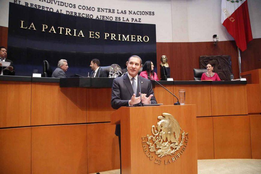 Presentar el senador Rafael Moreno Valle Rosas iniciativa en materia de transparencia parlamentaria, Ley General de Transparencia y Acceso a la Información Pública