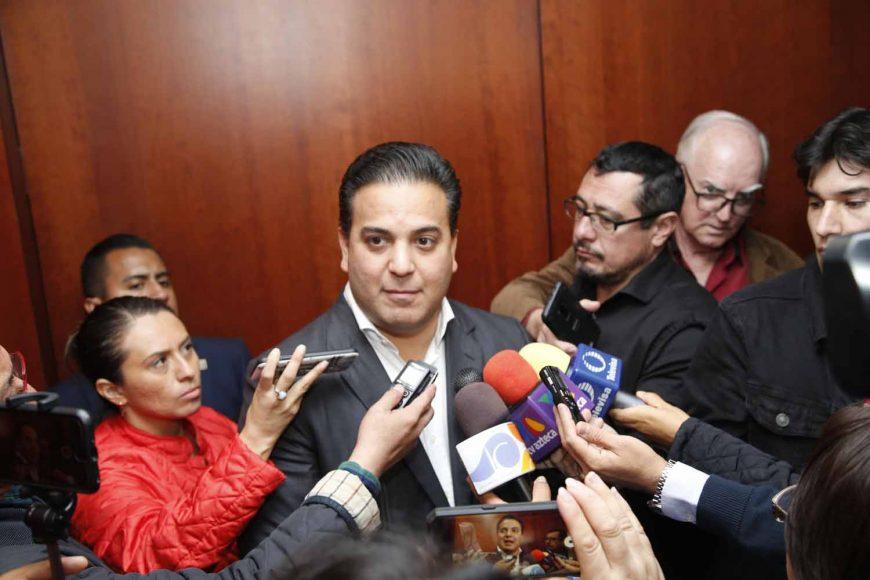 Entrevista al coordinador de los senadores del PAN, Damián Zepeda Vidales, al término de la reunión de la Jucopo.