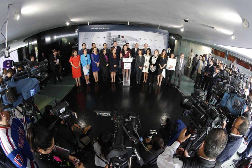 Conferencia de prensa de las y los senadores del PAN, encabezados por el coordinador, Damián Zepeda Vidales