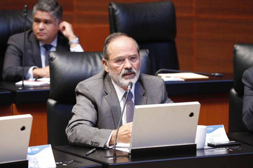 Senador Gustavo Madero Muñoz, al intervenir desde su escaño