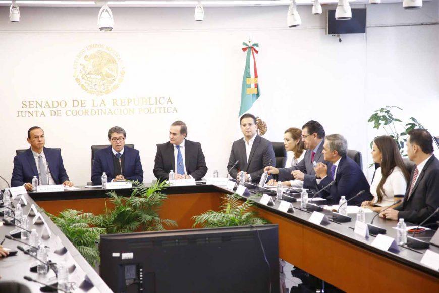La senadora panista Josefina Vázquez Mota, y el Coordinador del PAN, Damián Zepeda Vidales, durante la reunión de la Junta de Coordinación Política con el Consejo Coordinador Empresarial (CCE), en el Senado de la República.