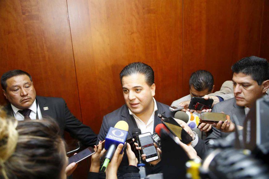 Entrevista al coordinador de los senadores del PAN, Damián Zepeda Vidales, al término de la reunión de la Junta de Coordinación Política con el Consejo Coordinador Empresarial (CCE).