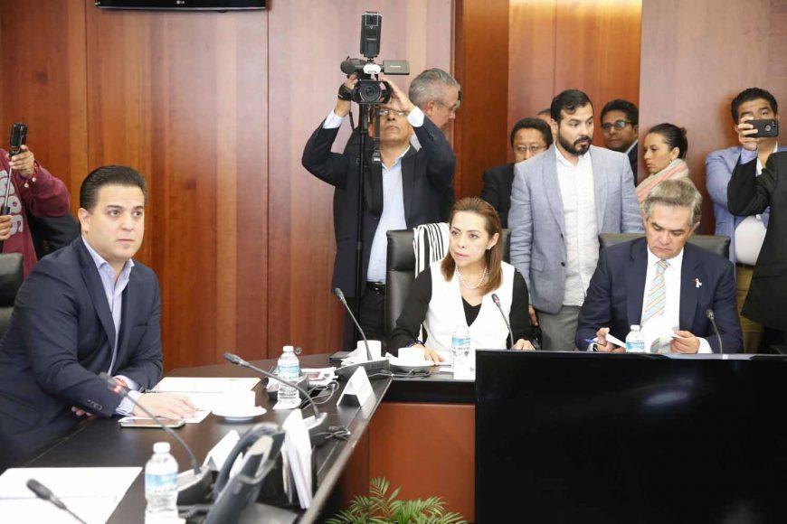 Los integrantes del PAN Josefina Vázquez Mota y Damián Zepeda Vidales, durante la reunión de trabajo de la Junta de Coordinación Política del Senado de la República.