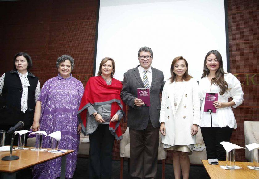 """La senadora panista Josefina Vázquez Mota durante la presentación de libro """"Acceso de las Mujeres a la Justicia"""""""