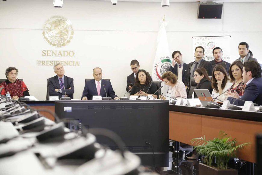 Participación de los senadores del PAN Nadia Navarro Acevedo, María Guadalupe Murguía Gutiérrez, Gina Andrea Cruz Blackedge, así como el senador Damián Zepeda Vidales, durante reunión de trabajo de las Comisiones Unidas de Gobernación y de Estudios de las Legislativos.