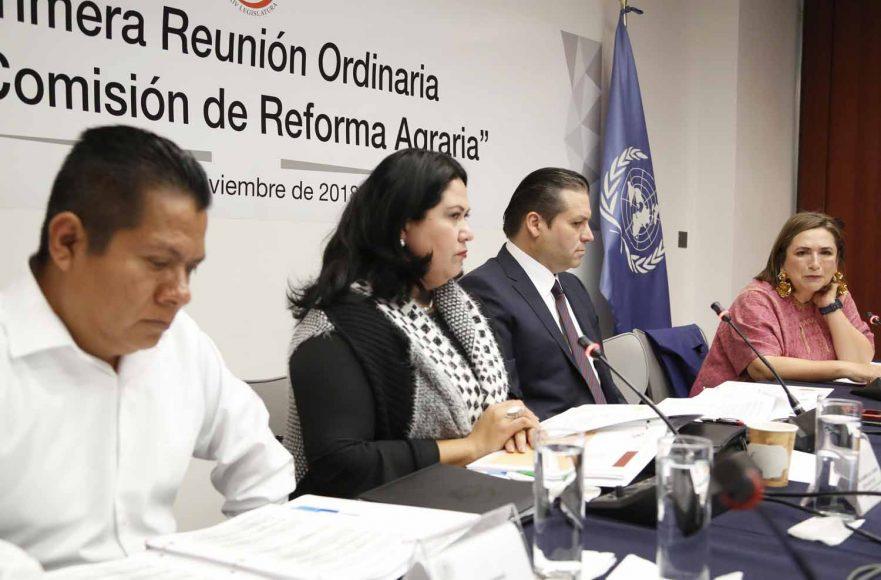La senadora del PAN Xóchitl Gálvez Ruiz, durante la 1ra. reunión de la Comisión de Reforma Agraria.