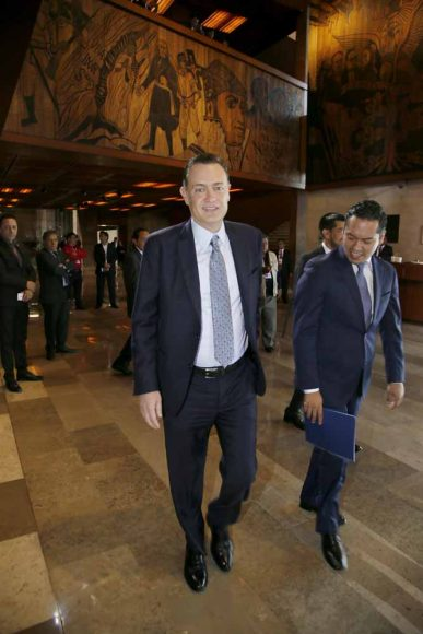 Senador Mauricio Kuri González a su llegada al Palacio Legislativo de San Lázaro