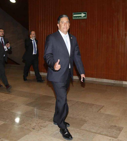 Senador Gustavo Madero Muñoz y Senador Marco Antonio Gama Basartea su a su llegada al recinto Legislativo de San Lázaro, previo al inicio de la sesión de Congreso General.