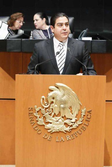 Senador Ismael García Cabeza de Vaca, al presentar una iniciativa que reforma el párrafo octavo del artículo 28 de la Constitución