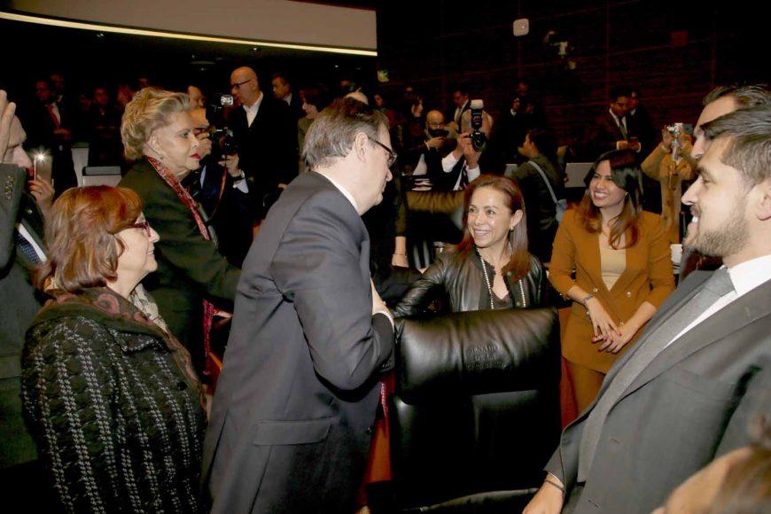 Senadores durante toma de protesta de Marcelo Ebrard, como secretario de Relaciones Exteriores
