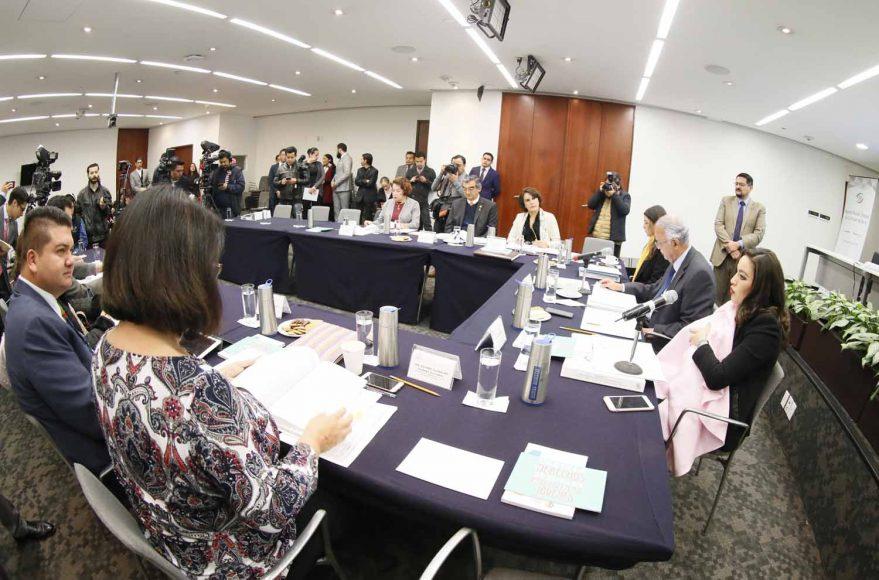 La senadora Martha Cecilia Márquez Alvarado participó en la reunión de trabajo de la Comisión de Salud, en la que se aprobó por unanimidad un dictamen con punto de acuerdo promovido por la legisladora panista María Guadalupe Saldaña Cisneros, en materia de combate a las adicciones en menores de edad.