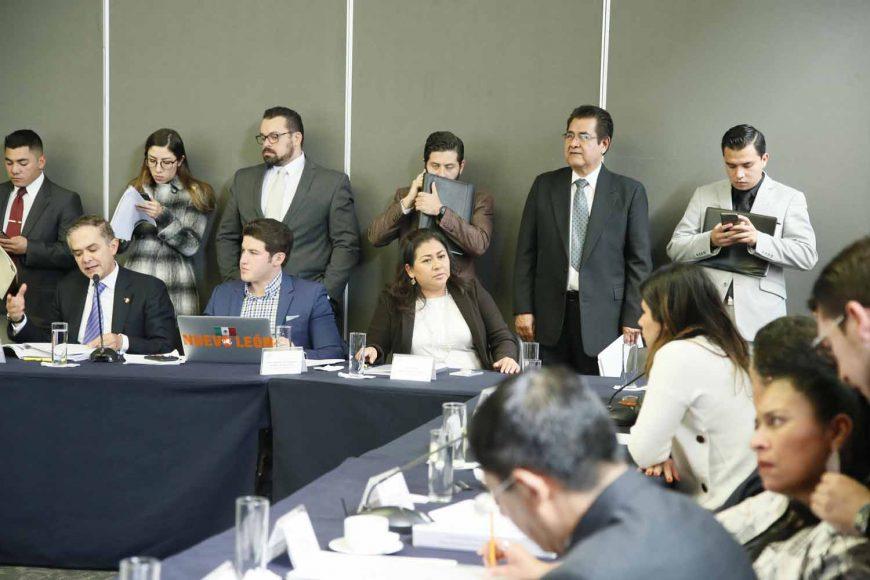 Las senadoras Nadia Navarro Acevedo, Indira Rosales San Román, y el senador Damián Zepeda Vidales, durante la reunión de trabajo de las Comisiones Unidas de Justicia y Estudios Legislativos, Segunda.