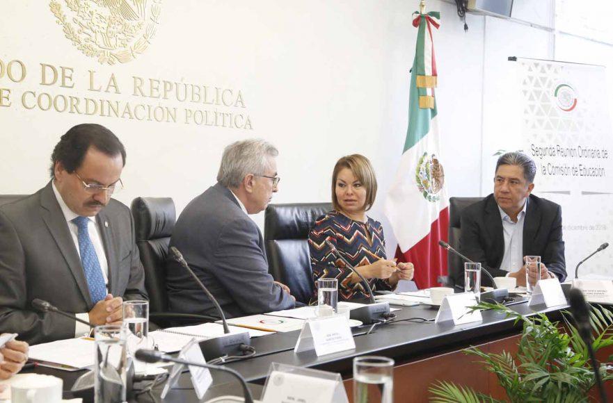 senador panista Marco Antonio Gama Basarte, durante la segunda reunión ordinaria de trabajo de la Comisión de Educación.