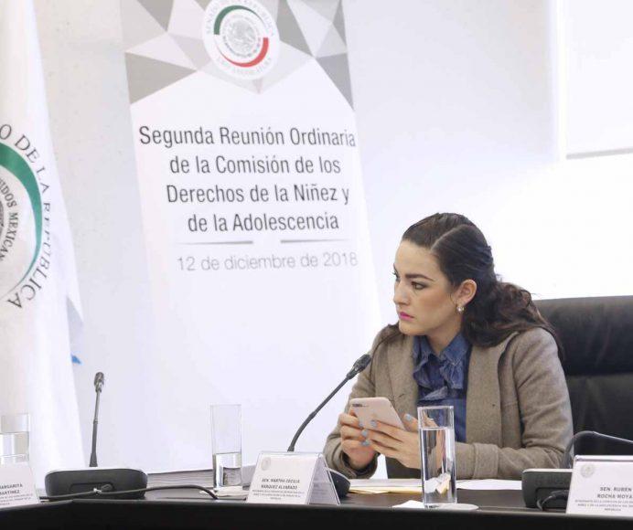 La senadora Martha Cecilia Márquez Alvarado, al participar en la segunda reunión ordinaria de la Comisión de Derechos de la Niñez y de la Adolescencia.