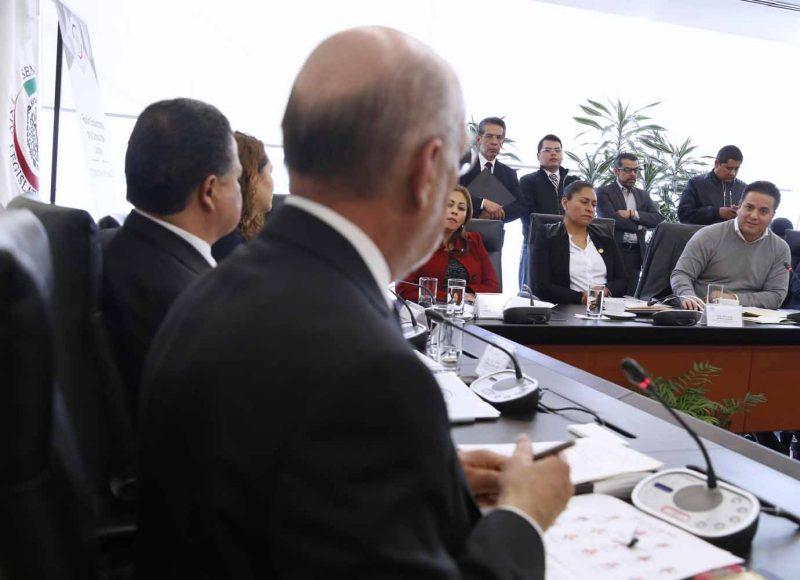 El senador Damián Zepeda Vidales, durante la reunión de trabajo de la Comisión de Justicia.