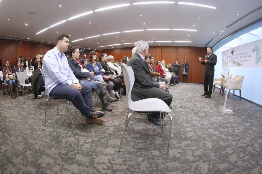 Palabras de la senadora Josefina Vázquez Mota, Presidente de la Comisión de Derechos de la Niñez y de la Adolescencia, durante la inauguración de la conferencia: Rehabilitación en entorno ecuestre (Equinoterapia especializada)