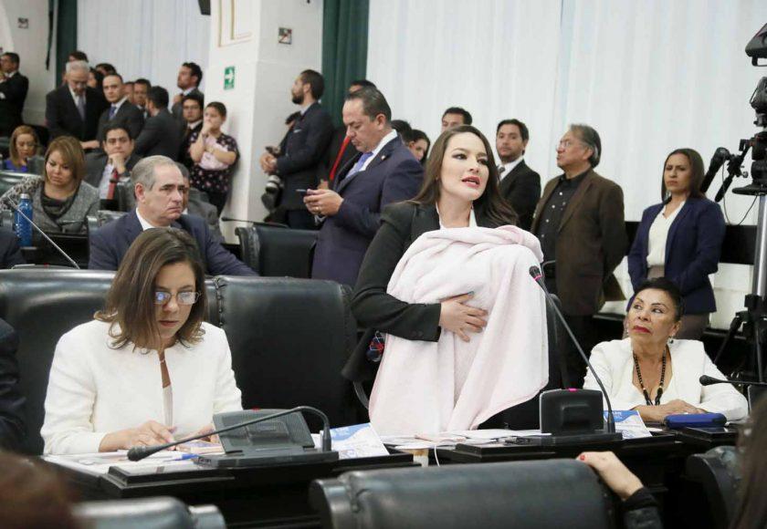 Intervención desde su escaño de la senadora Martha Cecilia Márquez Alvarado para referirse al discurso de la presidenta de la Comisión de la Medalla Belisario Domínguez, durante la sesión solemne.