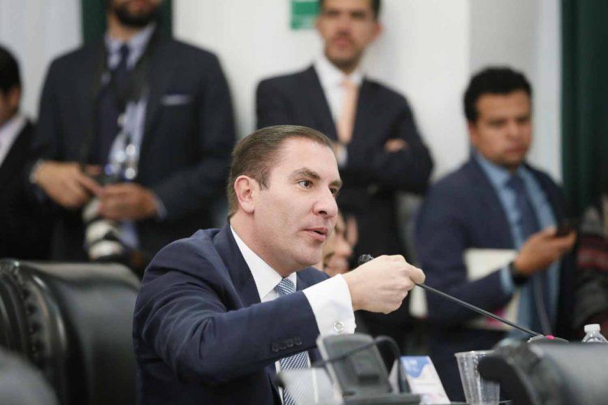 IMG_20181Intervención desde su escaño del coordinador del Grupo Parlamentario del PAN, Rafael Moreno Valle, para referirse al discurso de la presidenta de la Comisión de la Medalla Belisario Domínguez, durante la sesión solemne.     219_160449
