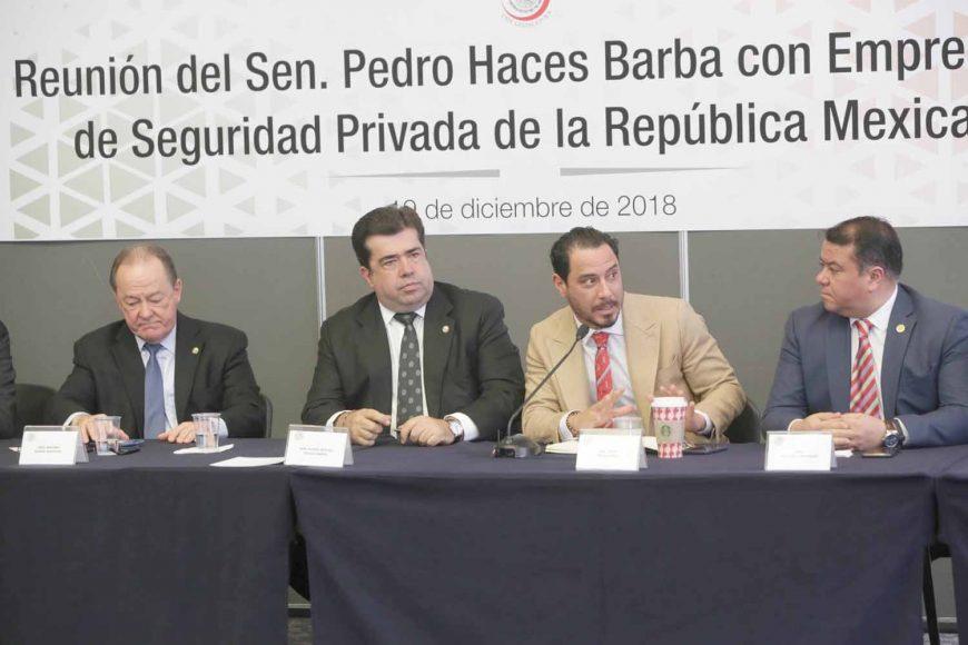Senador Raúl Paz Alonzo, durante la reunión con empresarios de Seguridad Privada de la República Mexicana