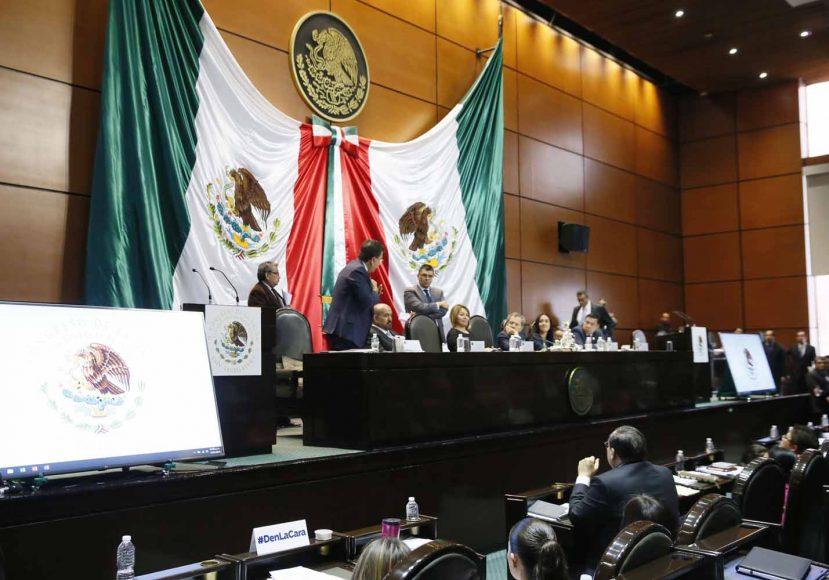 Senadores del PAN durante la sesión ordinaria de la Comisión Permanente
