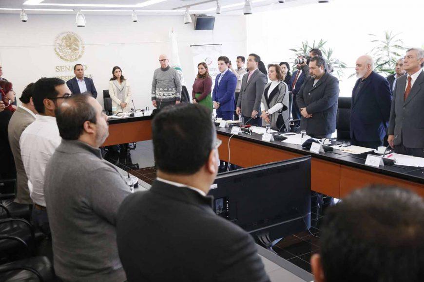 Los senadores del PAN María Guadalupe Murguía Gutiérrez, Damián Zepeda Vidales y Julen Rementería Del Puerto, al participar en la reunión extraordinaria de trabajo de la Comisión de Puntos Constitucionales.