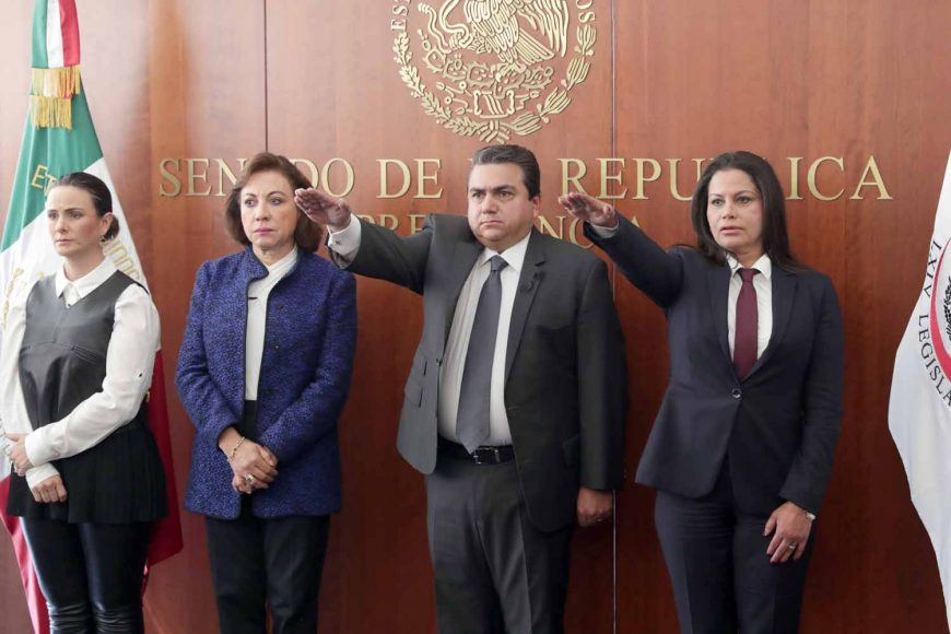 Toma protesta Roberto Moya Clemente como senador de la República