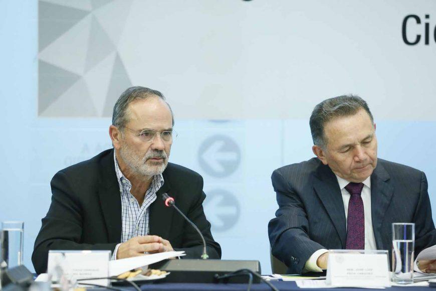 Senador Gustavo Madero Muñoz, al participar en la reunión de trabajo de la Comisión de Ciencia y Tecnología.