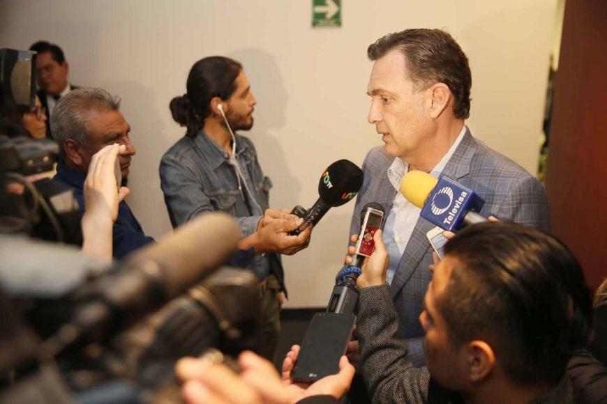 Entrevista concedida por el Coordinador de los senadores del PAN, Mauricio Kuri González, previo al inicio de la reunión de la Junta de Coordinación Política.