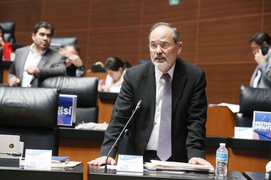 Senador Gustavo Madero Muñoz al intervenir desde su escaño