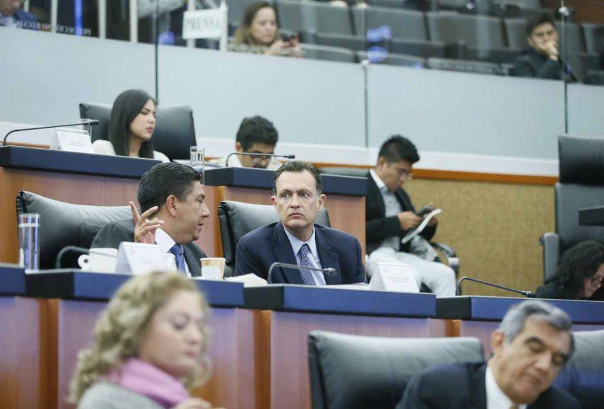 """El coordinador de los senadores del PAN, Mauricio Kuri González, durante las ponencias del Bloque 2 de la Mesa de Trabajo 4, """"Federalismo y seguridad pública"""", en el marco del Parlamento Abierto para el tema de la Guardia Nacional."""