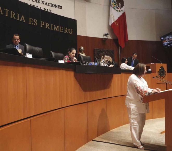 Intervención en tribuna de la senadora Xóchitl Gálvez Ruiz, al presentar dos iniciativas, una con proyecto de decreto que reforma el artículo 28 de la Constitución Política de los Estados Unidos Mexicanos; y otra con proyecto de decreto que reforma y adiciona diversas disposiciones de la Ley de los Órganos Reguladores Coordinados en Materia Energética.