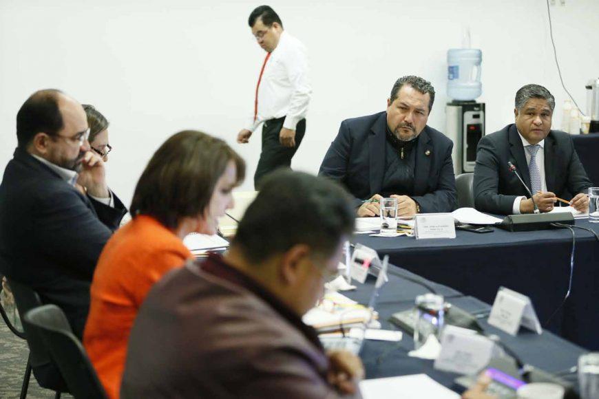 Senador Víctor Fuentes Solís, durante la reunión de la Comisión de Zonas Metropolitanas y Movilidad