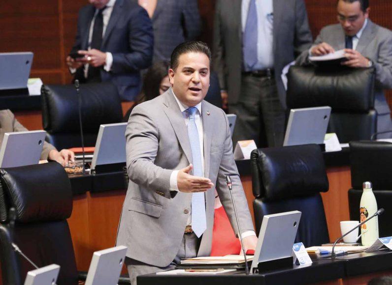 Senador Damián Zepeda Vidales al participar desde su escaño