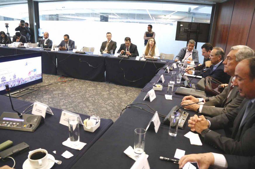 """El senador Gustavo Madero Muñoz, presidente de la Comisión de Economía, durante la presentación del Proyecto """"El Crecimiento Económico como motor del cambio social: Cómo lograrlo en México""""."""