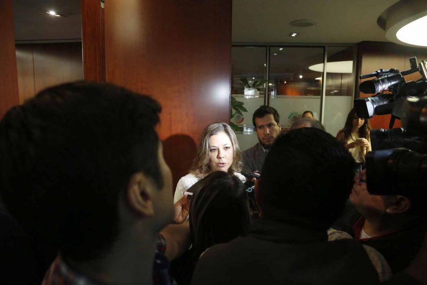 Entrevista a  la senadora Gina Andrea Cruz Blackledge, previo al inicio de la reunión de comisiones unidas de relaciones Exteriores y de Relaciones Exteriores América del Norte.