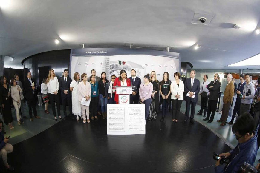 La senadora Xóchitl Gálvez Ruiz, durante la conferencia de prensa en la que se habló sobre la violencia extrema contra las mujeres.
