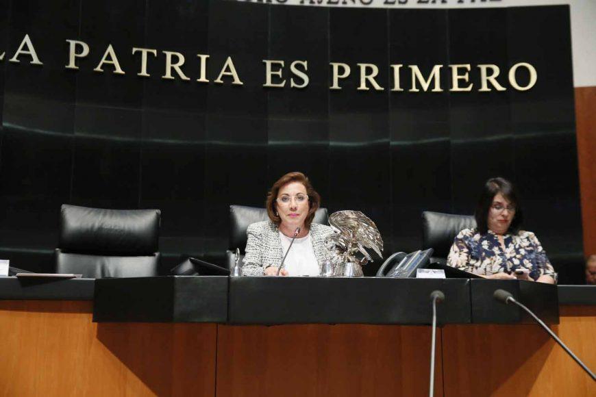 Senadora Guadalupe Murguía Gutiérrez, al presidir la sesión del Senado de la República.