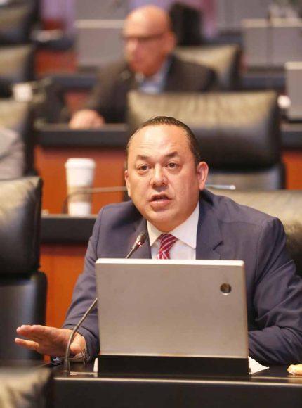 IMG_201903Intervención, desde su escaño, del senador Erandi Bermúdez Méndez, al referirse a las sesiones de la Cámara de Diputados.28_121345