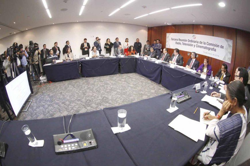 Participación del senador Víctor Fuentes Solís, en la reunión de trabajo de la Comisión de Radio, Televisión y Cinematografía.
