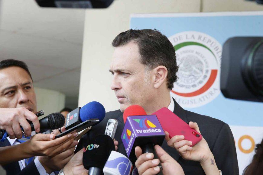 Entrevista concedida por el Coordinador de los senadores del PAN, Mauricio Kuri González, previo al inicio de la sesión ordinaria