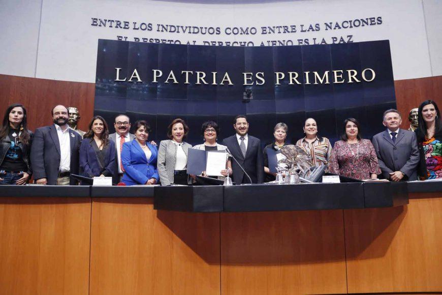 Toma de protesta de las ciudadanas Rosy Laura Castellanos Mariano y Mariclaire Acosta Urquidi, Consejeras Honorarias del Consejo Consultivo de la Comisión Nacional de los Derechos Humanos.