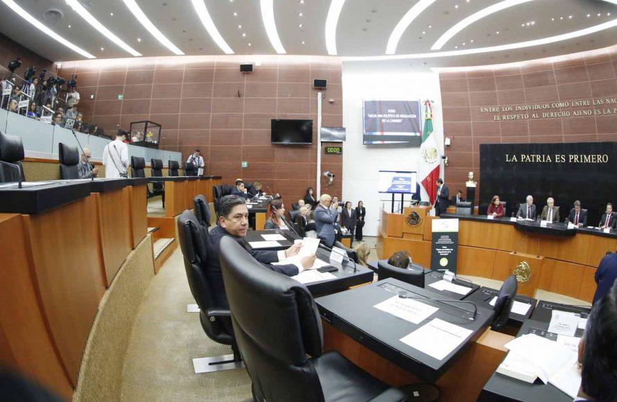 Senador Marco Gama Basarte, durante su participación en el foro de Regulación de la Cannabis.