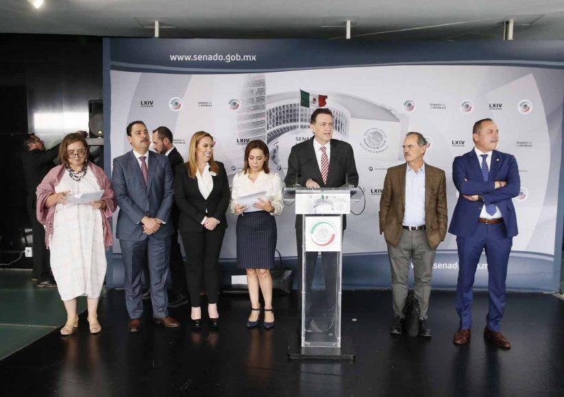 Conferencia de prensa concedida por senadoras y senadores del PAN, encabezados por el coordinador, Mauricio Kuri González.