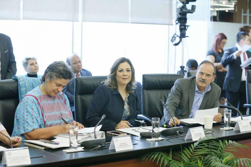 Las senadoras Alejandra Reynoso Sánchez y Gina Andrea Cruz Blackledge, así como los senadores Marco Gama Basarte y Gustavo Madero Muñoz, durante la reunión de las comisiones unidas de Relaciones Exteriores y de Relaciones Exteriores, América Latina y El Caribe.