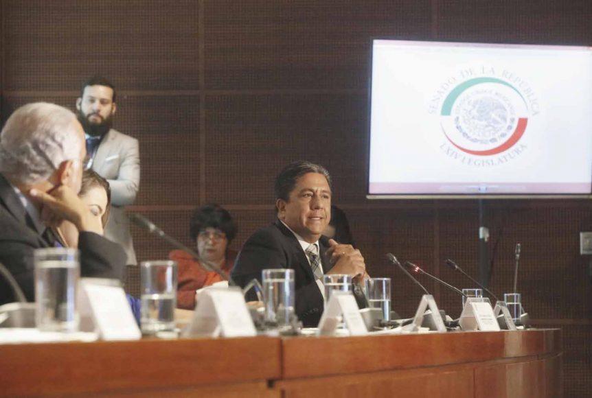 Senador Marco A. Gama Basarte, durante la comparecencia del director de la Cofepris.