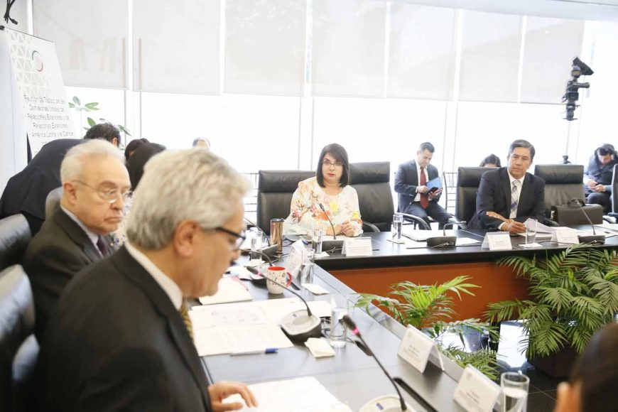 El senador del PAN Marco Antonio Gama, durante la reunión de las comisiones unidas de Relaciones Exteriores y de Relaciones Exteriores, América Latina y El Caribe.